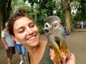 Photo de Marlene et d'un petit singe