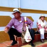 Portrait furtif d'un couple dans la rue