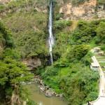 Chute d'eau en face du sanctuaire de Ipiales