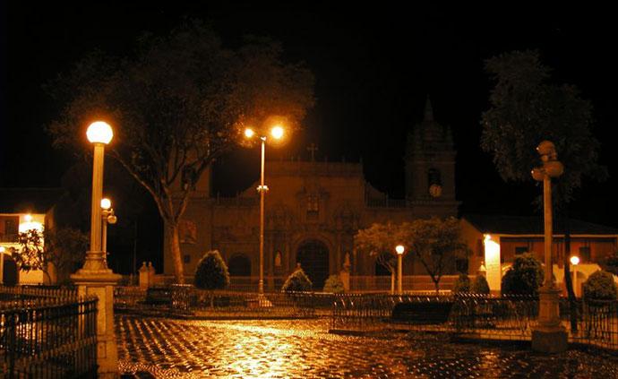 Ayacucho%20de%20noche