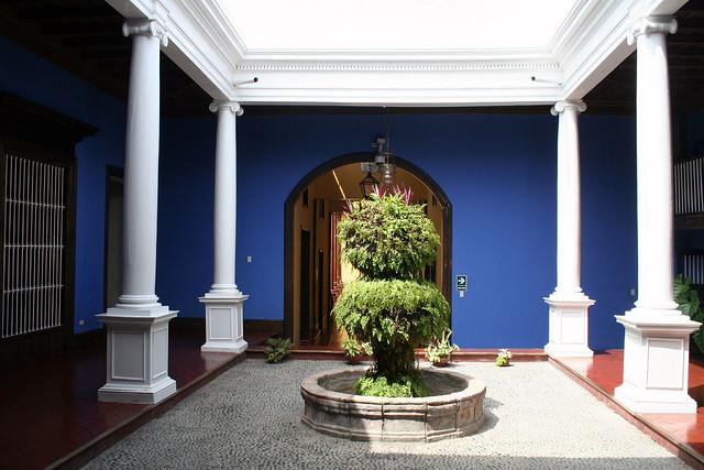 Patio bleu de la Casa Urquiaga